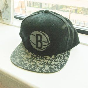 Brooklyn Nets Black & Grey Camo Brim Snapback